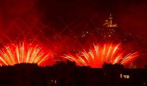 9370458231-firework-feu-d-artifice-a-marseille-p